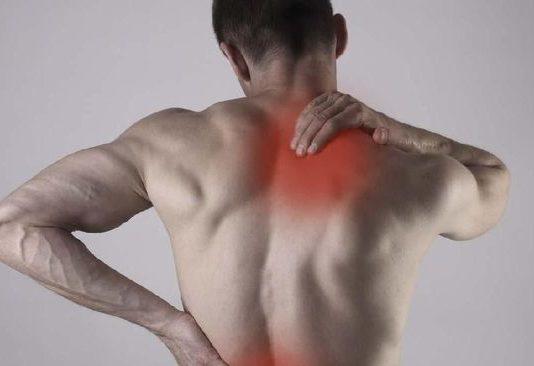 mengatasi rasa panas pada punggung